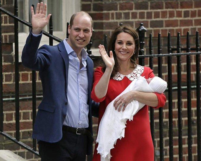 @MyFashionLife: Kate Middleton Gives Us A Glimpse Of The Royal Baby Wearing Jenny Packham https://t.co/Aavsefvxfa #RoyalBaby https://t.co/RnAPVD5Fa6