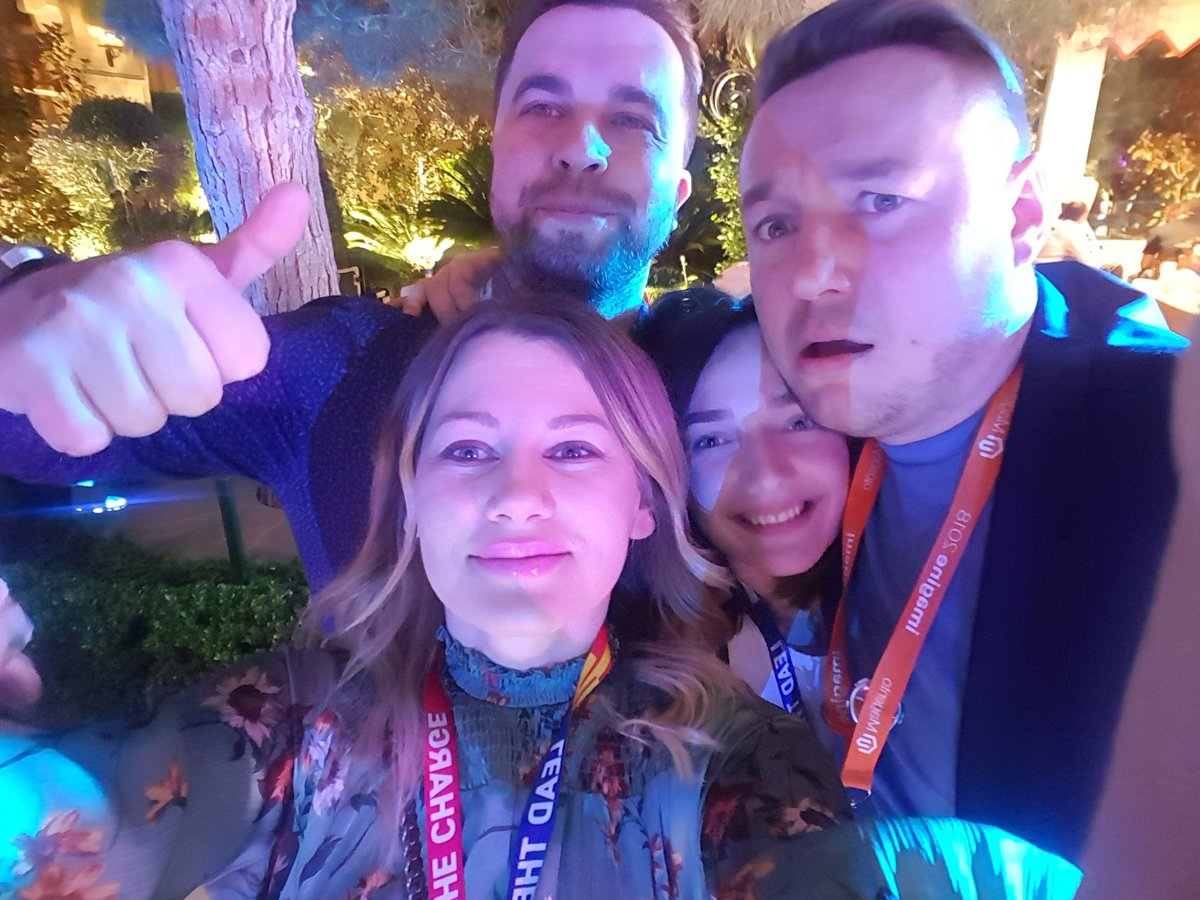 Antonija_Tadic: Some cool people are at the buidling. #MagentoImagine https://t.co/WaYa9aA89k