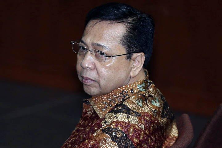 @BroadcastImagem: Na Indonésia, ex-presidente do Parlamento é condenado a 15 anos de prisão por corrupção. Achmad Ibrahim/AP