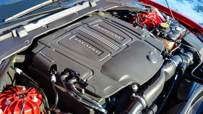 @TheRealAutoblog: .@Jaguar may kill supercharged V6 to make way for inline-six: https://t.co/RKS9uM2cGx https://t.co/yJg3EIwvvx