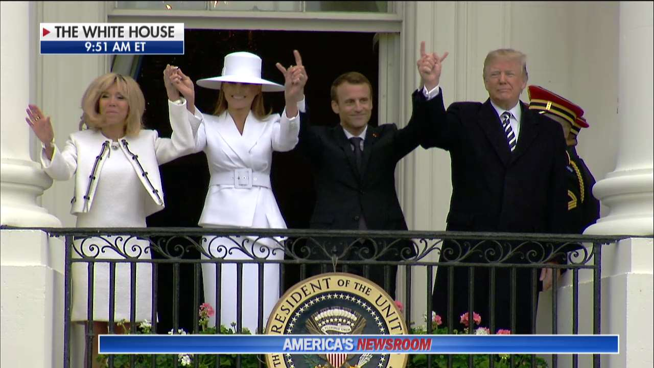 .@POTUS and @FLOTUS Welcome French President @EmmanuelMacron and Mrs. Macron to the @WhiteHouse https://t.co/PPt1VsfanD