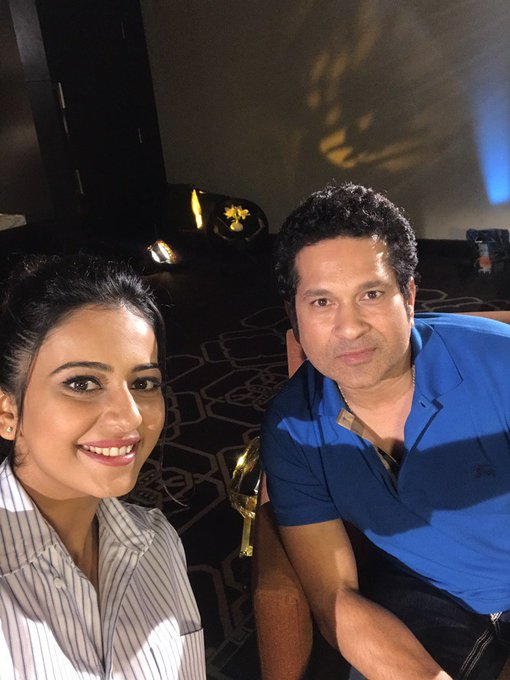 Happy Birthday to Sachin Tendulkar sir from Rakul preet fans