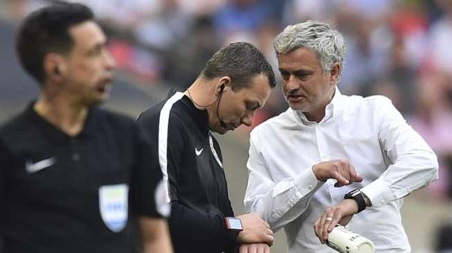 Mourinho: Jika Gagal Menangi Piala FA Saya Akan 'Dibunuh' https://t.co/tZ8R7xG8fy https://t.co/clYb4fA1vI