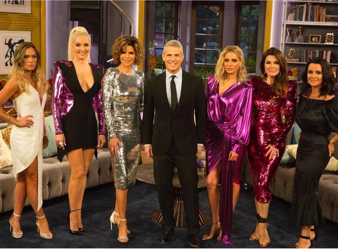 Tonight. #RHOBH reunion part 1 ???????? https://t.co/LjOxbAdjd6