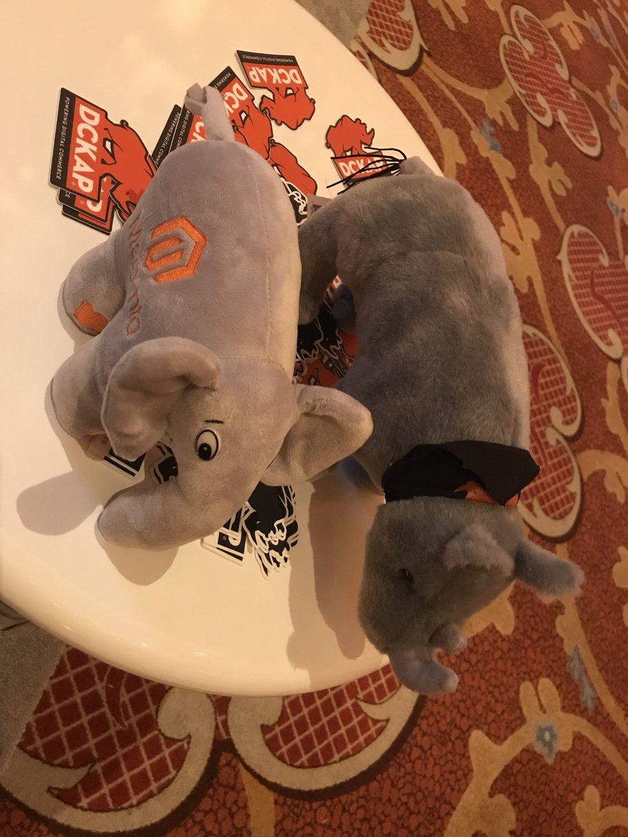 CalEvans: ElePHPant making new friends at #MagentoImagine https://t.co/UJmDzXapgc