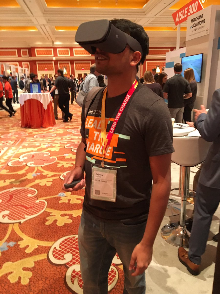 kalpmehta: VR at @kensium @Acumatica booth cool! #MagentoImagine https://t.co/4dTpvJnHhq