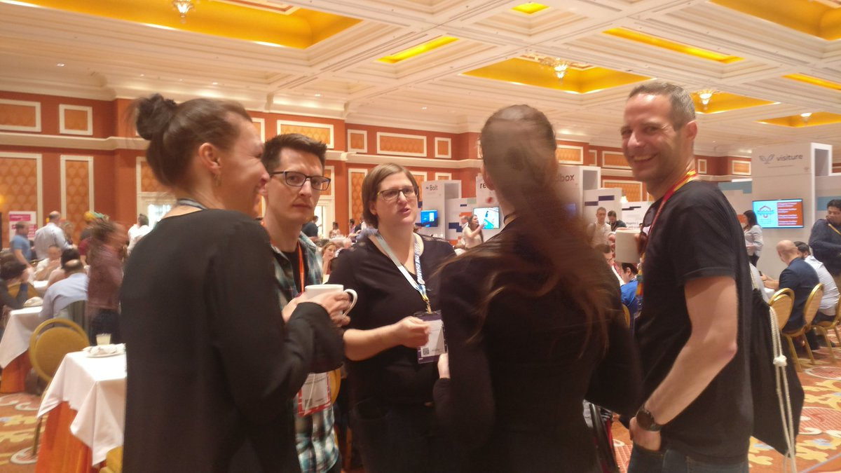 sherrierohde: Have a question for the #MagentoMasters? Come find them by the @Creatuity mural! #MagentoImagine https://t.co/44I7bGSger