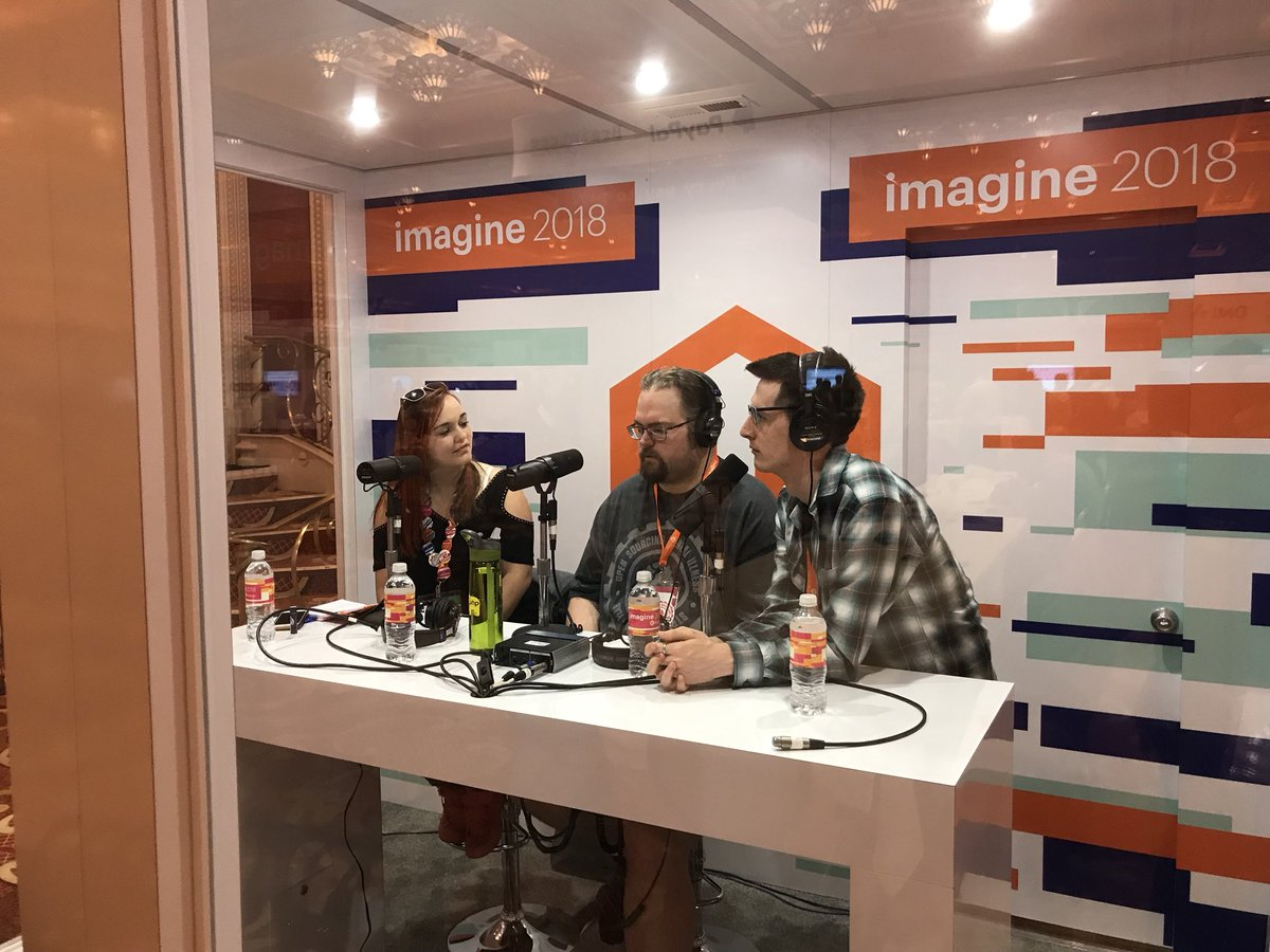 "CalEvans: .@JoePFerguson in ""the booth"" at #MagentoImagine https://t.co/ypbbpHM9lZ"