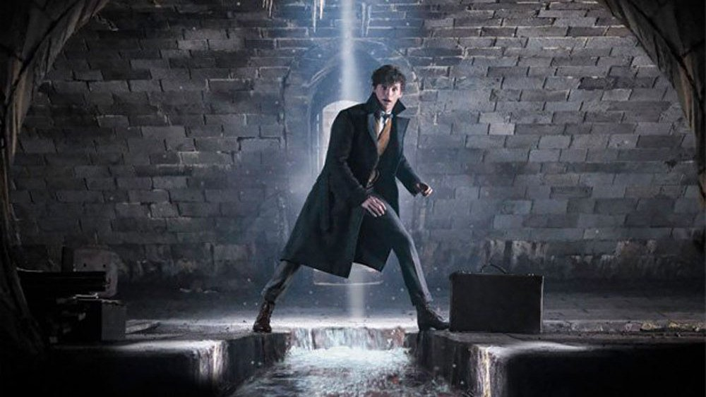 RT @Variety: Eddie Redmayne faces the dark arts in #FantasticBeasts sequel footage https://t.co/vmplFLVyX3 https://t.co/Od97Qi0jS6