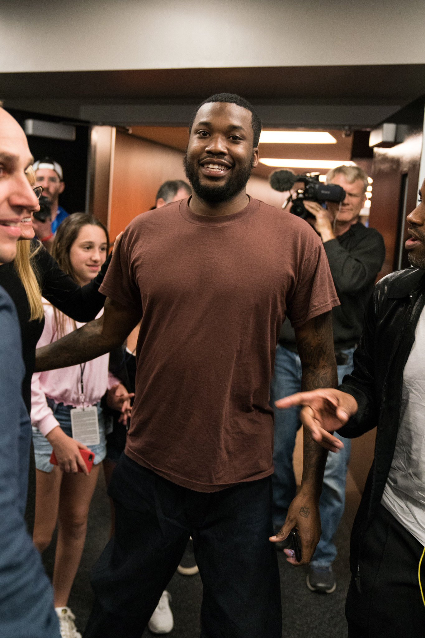 .@MeekMill has arrived.  #PhilaUnite x #HereTheyCome https://t.co/pub80aDdnI