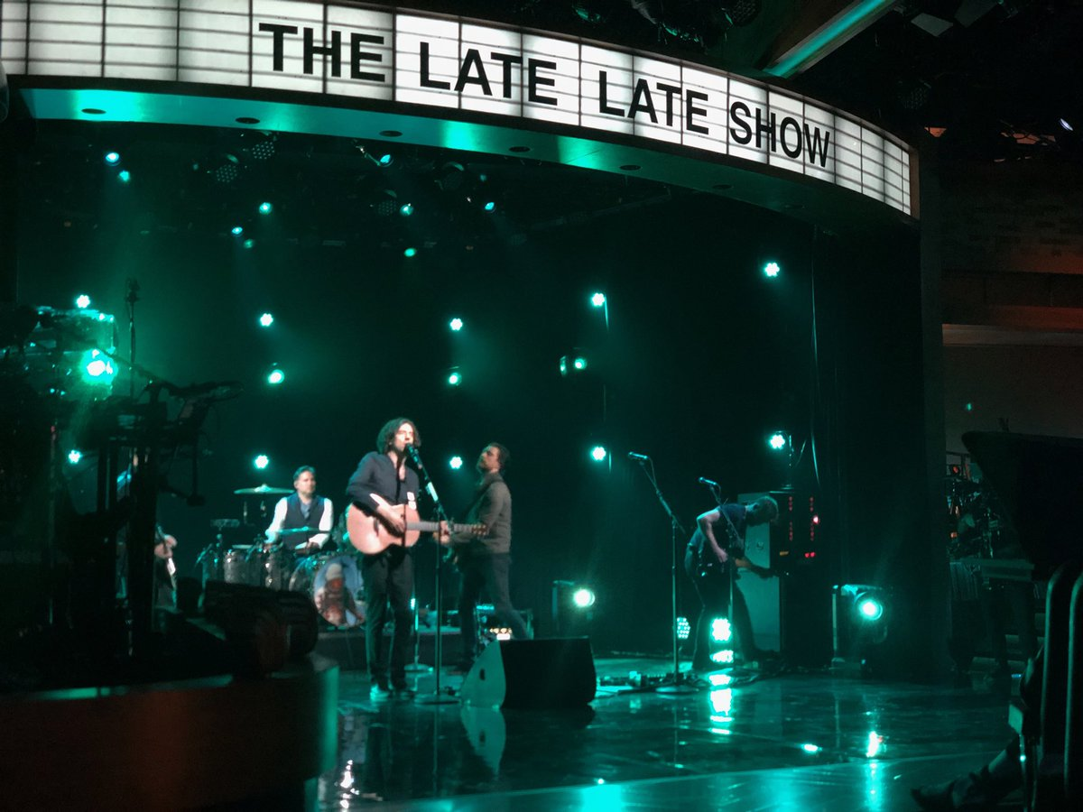 Hey all! Watch @snowpatrol tonight on @latelateshow! https://t.co/0LR9VWYI5E