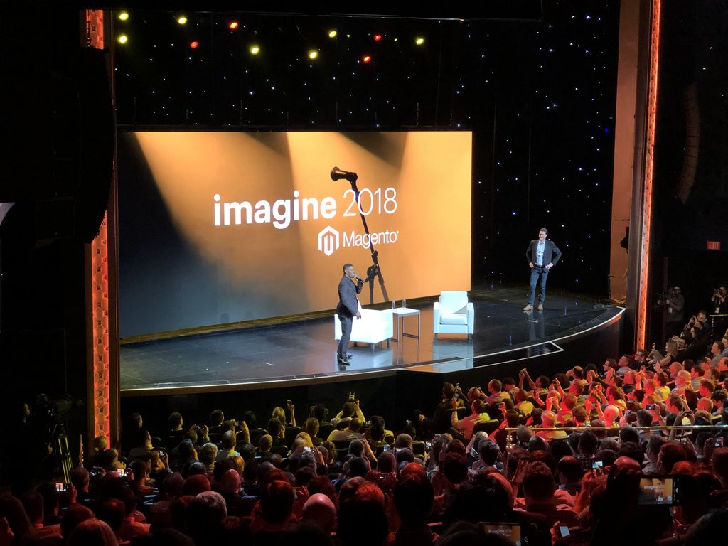 sylvainraye: Jamie Foxx does the show!!! #MagentoImagine https://t.co/5UXvMAIqhR