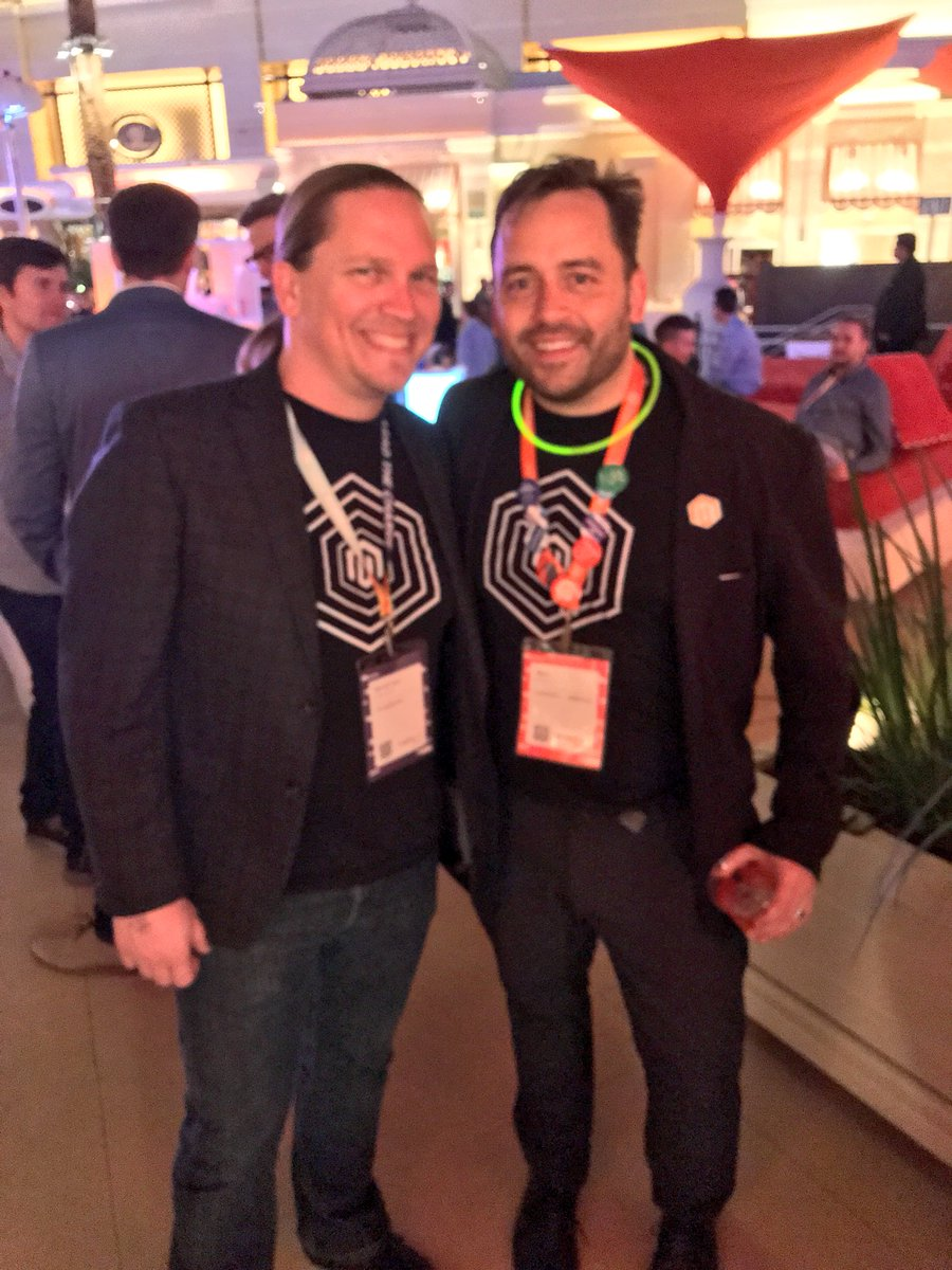 iopflygirl: @benmarks and @psyberware are twinsies tonight. If only Ben stillhad his long hair. #MagentoImagine https://t.co/ZGetUCt8OB