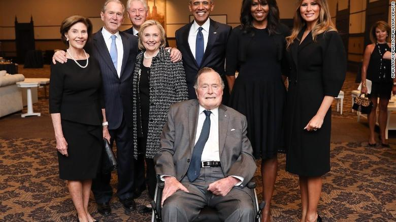 The story behind that viral photo of the past 4 presidents all in the same place https://t.co/HW8x4XM2Zt https://t.co/LMiilXUt5d