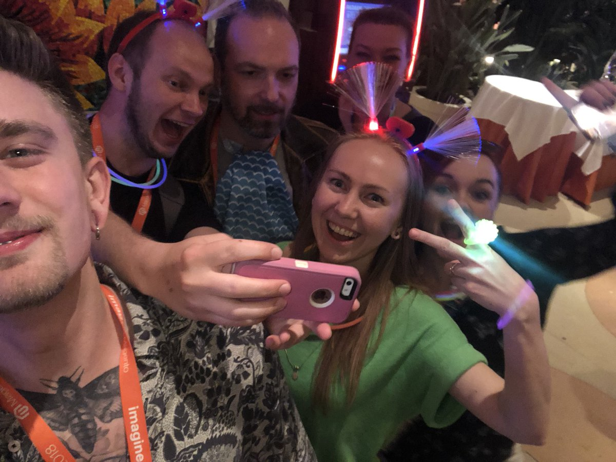 HelloMacaulay: Selfie-ception #MagentoImagine https://t.co/pG2LVdr03s
