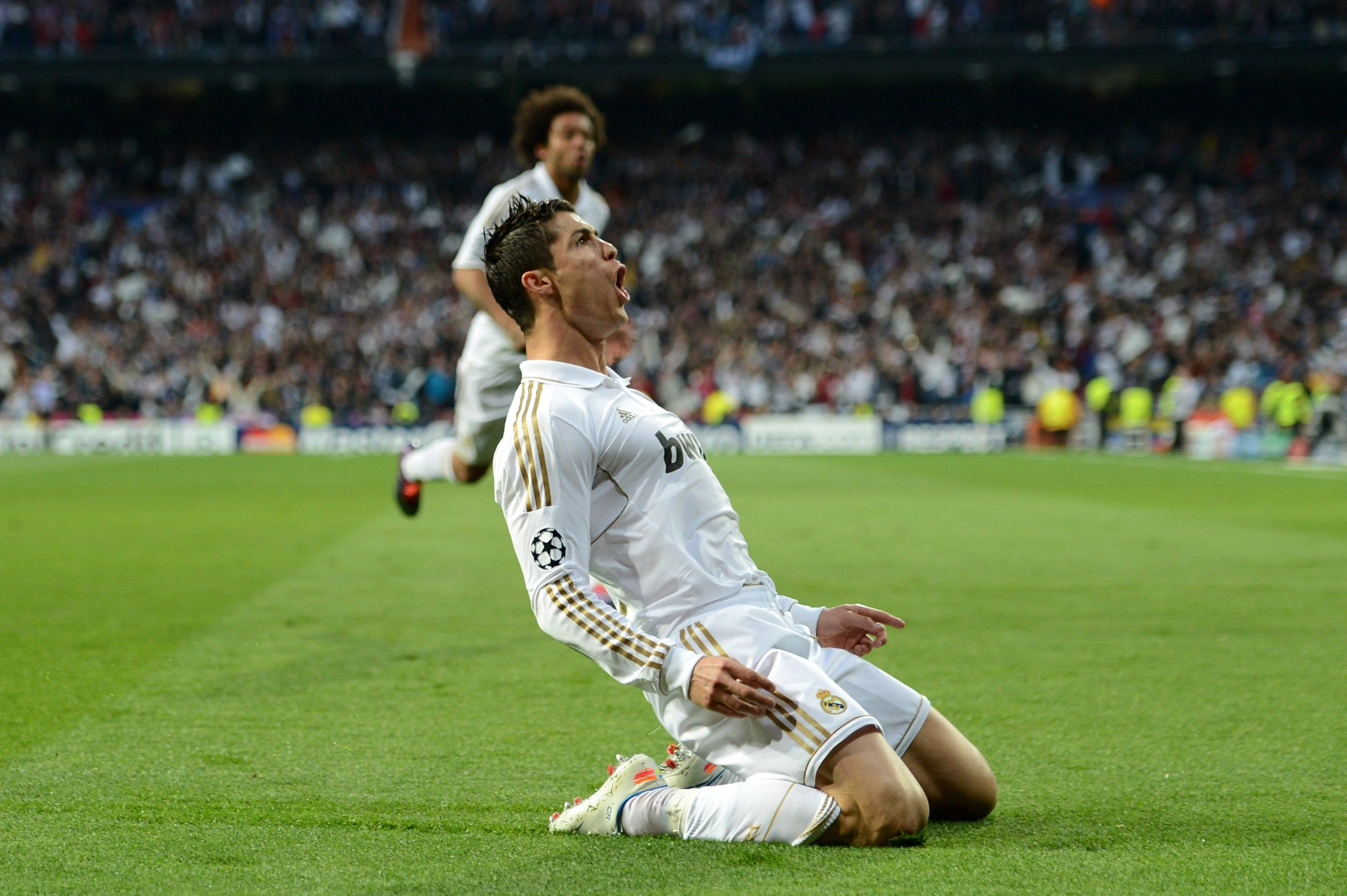 Cristiano Ronaldo v Bayern ��   �� GAMES �� 6⃣ ⚽️ GOALS  �� 9⃣  How many tonight? ��  #UCL https://t.co/pqYhiDWiTW