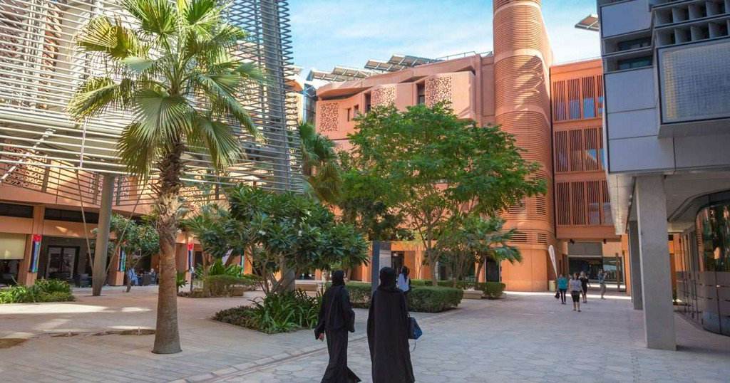Is Masdar City a ghost town or a green lab? https://t.co/dI7ydseAMh https://t.co/7k8Ss1xA9z