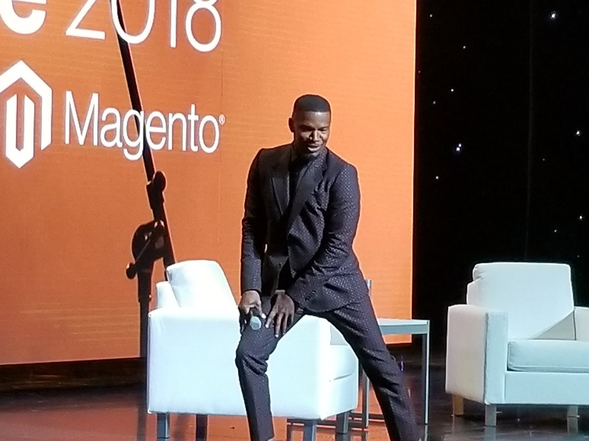 Speaker_Experts: Yesterday: @iamjamiefoxx on stage for @magento #MagentoImagine (photo cred. @sambayer) https://t.co/VwPtKX2SPB