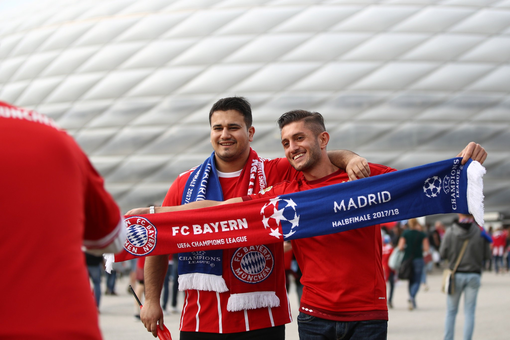 Atmosphere building in Munich. Excited for tonight's first-leg tie? ��  #UCL https://t.co/lWTzaxvHxz