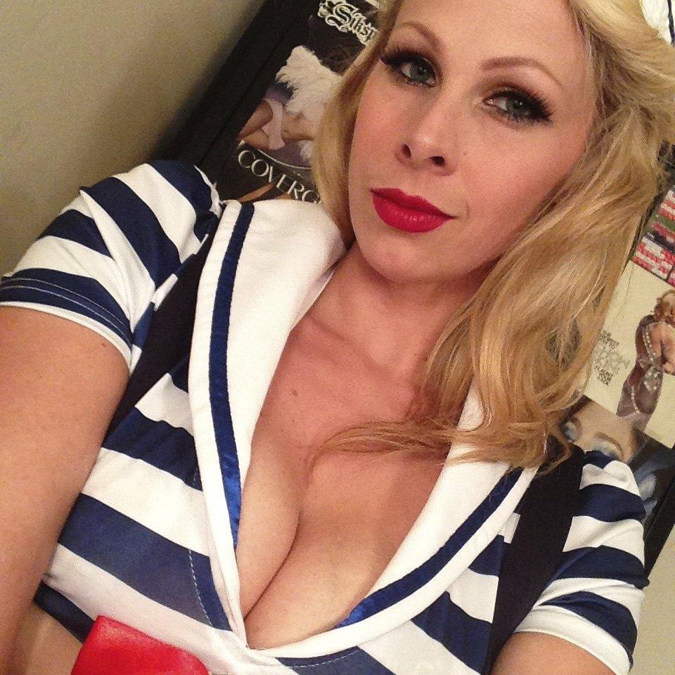 Sexy blonde a3lCbRuzUi