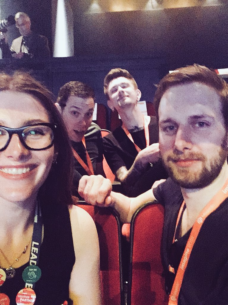 natashagreeny: 🤟🏻 the back row is where it's at @HelloMacaulay @knowj @drewml #MagentoImagine #LeadTheCharge https://t.co/GySNWGimWF