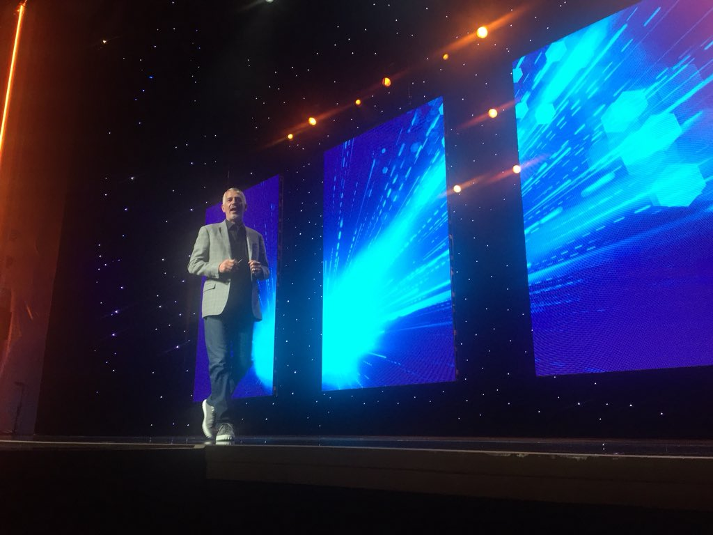 DCKAP: @jasonwoosley_mg - SVP of Product and technology on the stage  #magentoimagine https://t.co/GxNZIQybYX