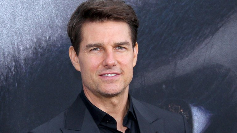 .@TomCruise touts death-defying MissionImpossible stunt at