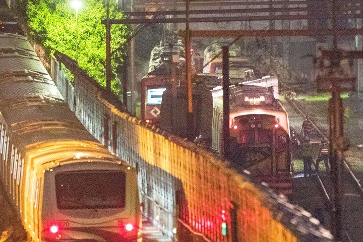 @BroadcastImagem: Trem da CPTM descarrila entre as estações Brás e Tatuapé, em SP. Não houve feridos. Daniel Teixeira/Estadão