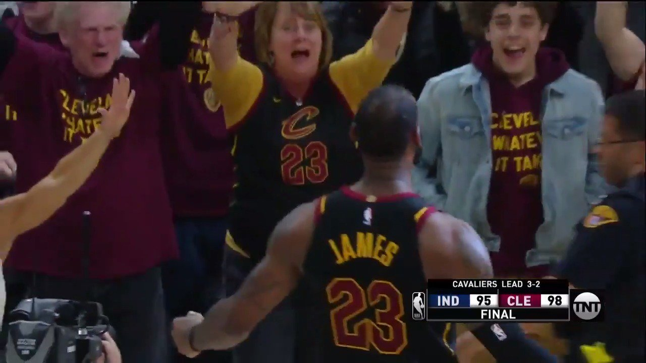 .@KingJames WINS IT AT THE BUZZER! ������  @cavs win 98-95 and take a 3-2 series lead!  #NBAPlayoffs | #AllForOne https://t.co/MhBB5YeoQA