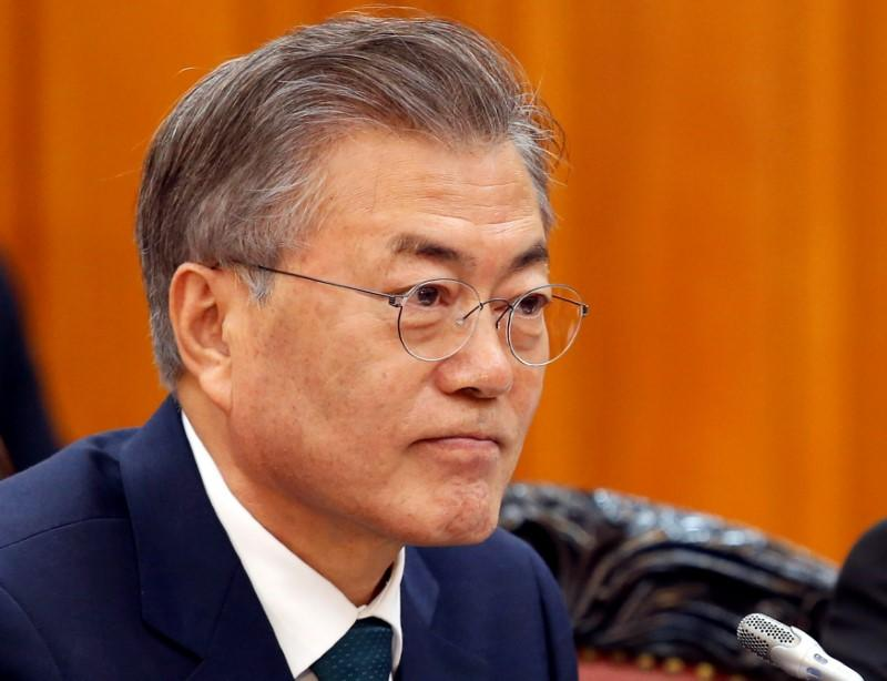 Trump may meet with South Korea's Moon before summit with Kim https://t.co/3HCO5FPwy7 https://t.co/V2Y63upSXs