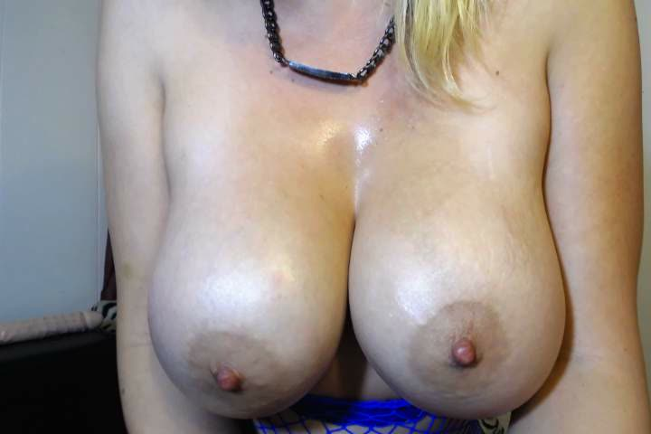 Oily Tit Job by dCgtMviyFo OU5G53LMzf
