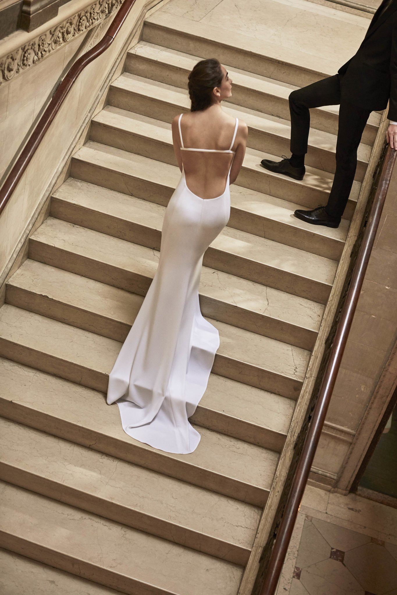 See what Carolina Herrera has in mind for Bridal Spring 2019: https://t.co/aFbaPFxPHI https://t.co/XulAEhxlrC