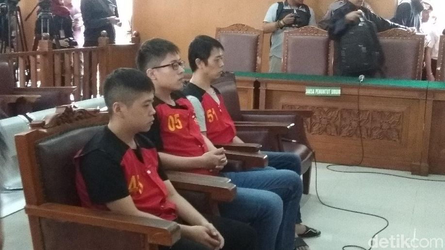 3 WN Taiwan Penyelundup 1 Ton Sabu Divonis Hukuman Mati https://t.co/RgECct64sv https://t.co/E7ZRhaCFys