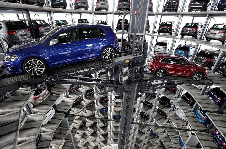 @BroadcastImagem: Volkswagen tem queda no lucro depois de impostos no 1º trimestre. Michael Sohn/AP