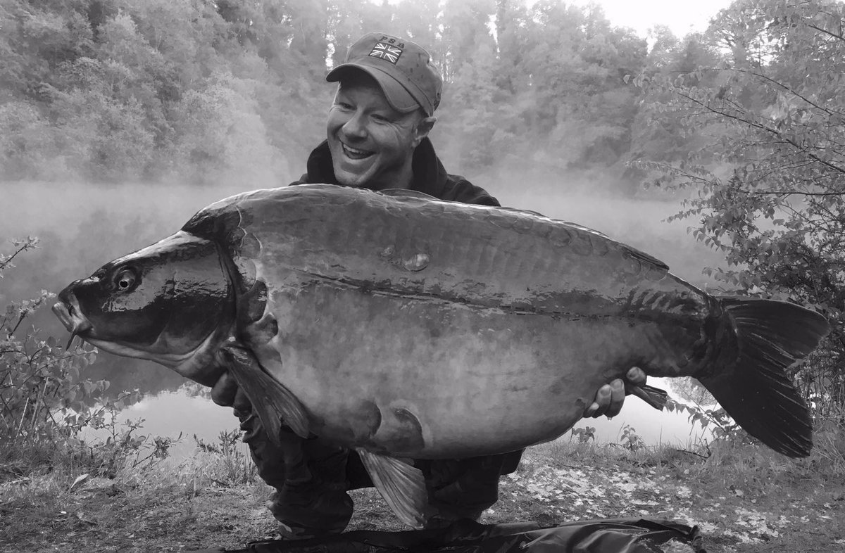 Black n White ☺ #PSB #CarpFishing #Angling #CarpAngling #Fishing @PukkaSquirrelB https://t.co/QILp
