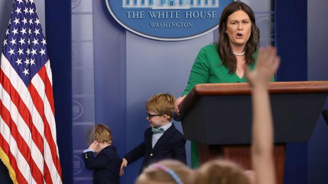 White House reporter's child asks Sarah Huckabee Sanders why Trump fired Comey https://t.co/aqCD86LrvS https://t.co/zBZ6unYoNS