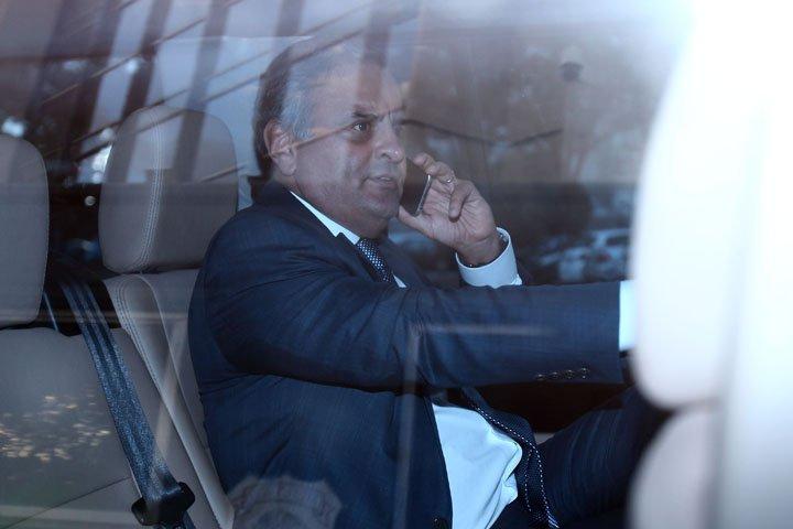 @BroadcastImagem: Aécio Neves (PSDB-MG) chega à sede da Polícia Federal, em Brasília, para prestar depoimento. Dida Sampaio/Estadão