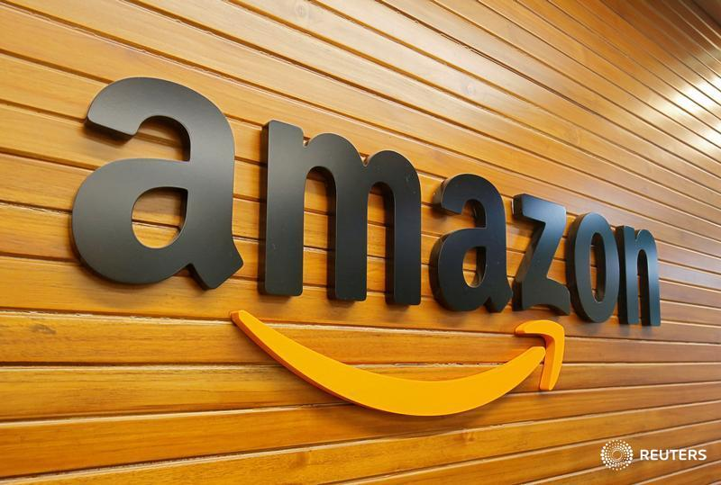 Amazon more than doubles its profits and predicts strong spring results https://t.co/r7DoLrTZvp by @JLDastin $AMZN https://t.co/UiVxmFyptT