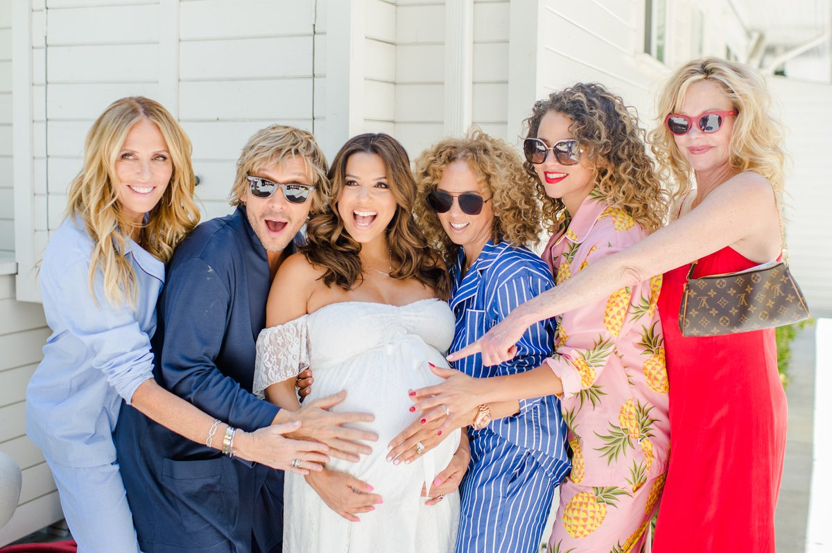 #Tbt to an amazing shower with even more amazing company #BabyBaston https://t.co/GPOvWG7zVw
