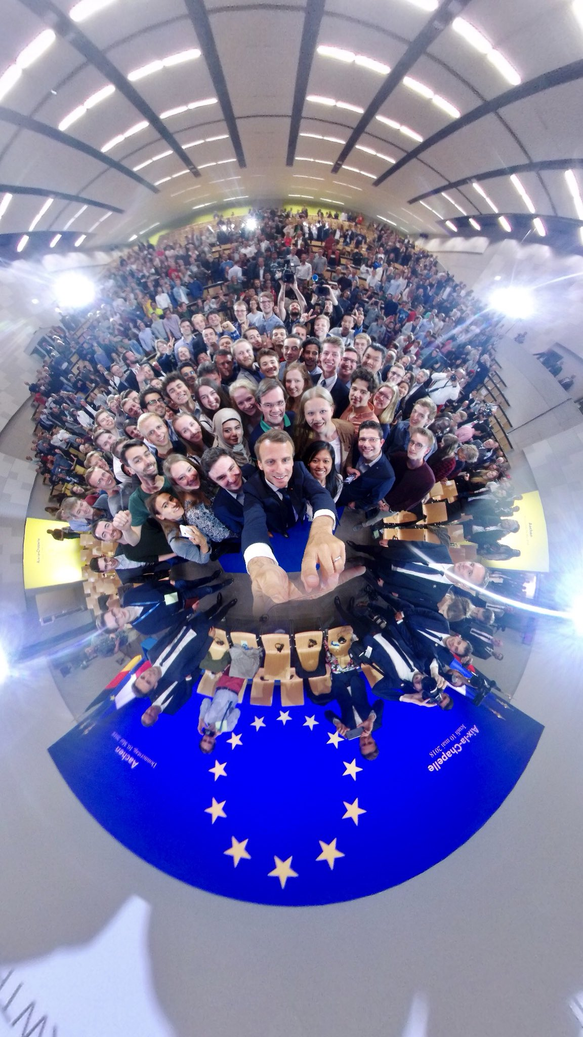 Qui a dit que l'Europe n'avait pas d'avenir ? #Karlspreis https://t.co/1fA4qhNJUn