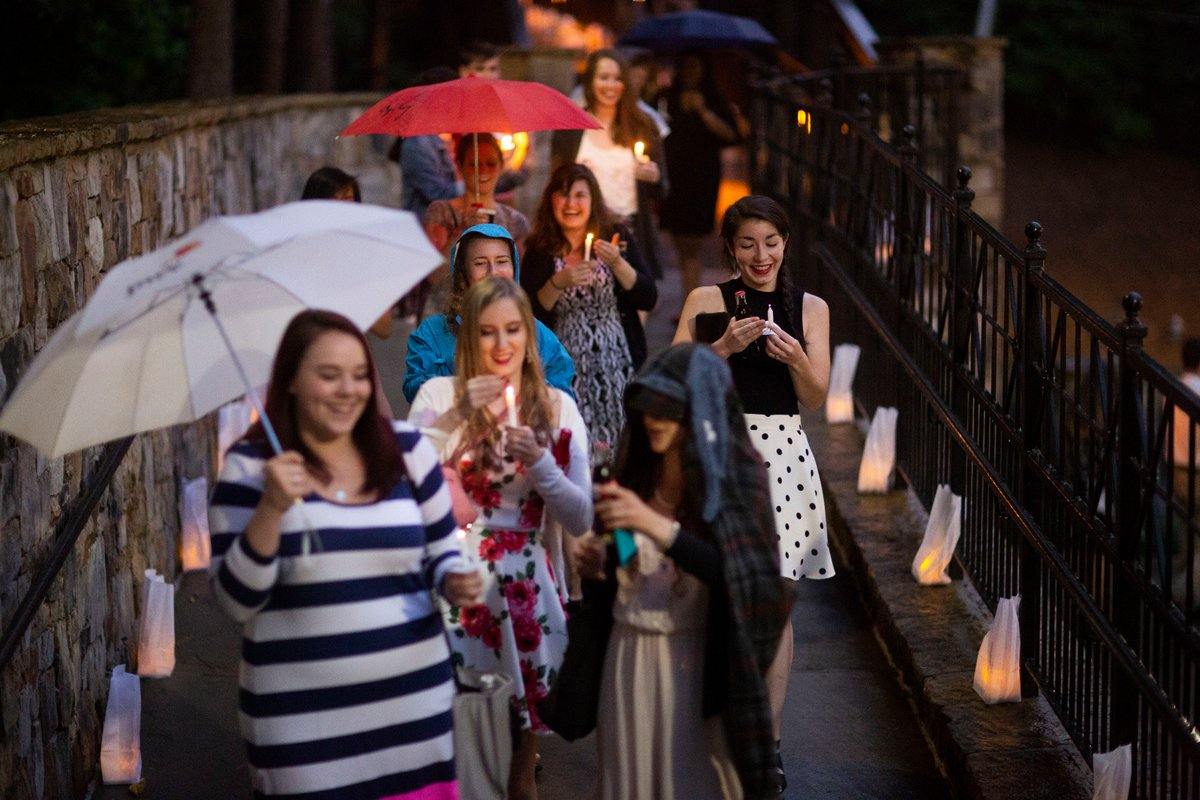 The rainy evening didn't dampen spirits at #Emory2018's Candlelight Crossover https://t.co/XuPZcYVBww