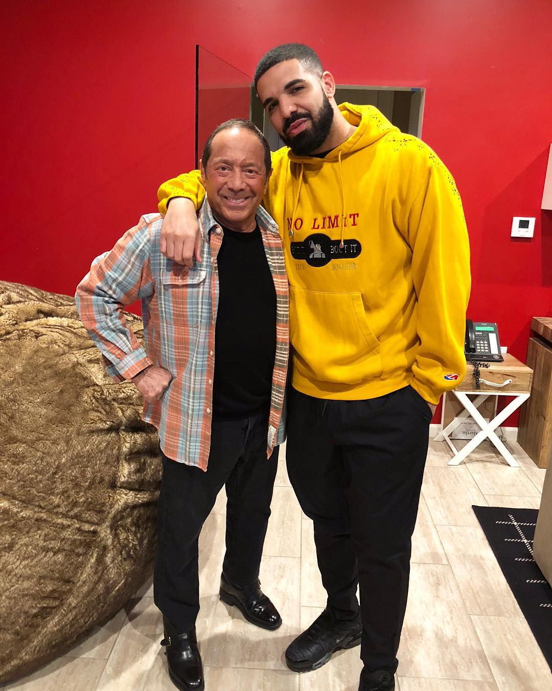 Paul Anka announces Drake collab out in June https://t.co/yxnkIUvNct https://t.co/McExbYsSoR