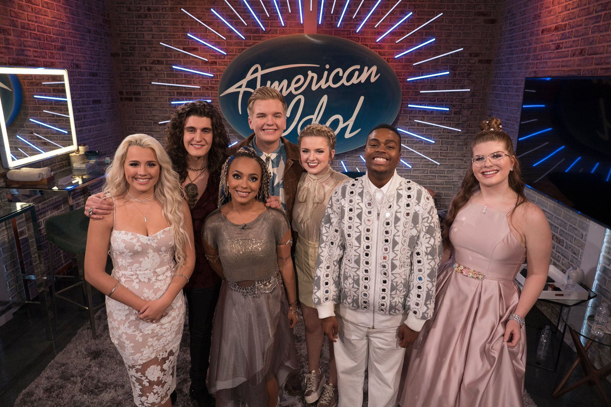 American Idol Results: Only 7 contestants remain in this year's competition (pic via ABC) https://t.co/vv8Eg5u4Ix https://t.co/a4t1vAtGjs