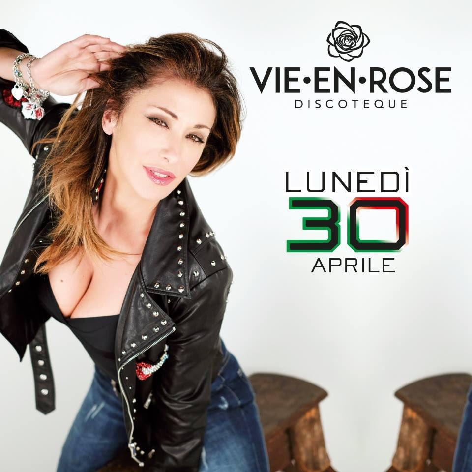 Ci vediamo questa sera a #vieenrose #discoteca #imola #live #music #dance #80sparty #90s #dancefloor #SabrinaSalerno https://t.co/v5IDzpLXa6