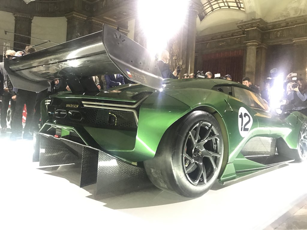 The #BrabhamBT62 has just been revealed. Looks fab in Braham green with gold strip. Coming to a track day near you very soon. Congrats to team, road car next?? #V8 https://t.co/qbDGLWTvx9