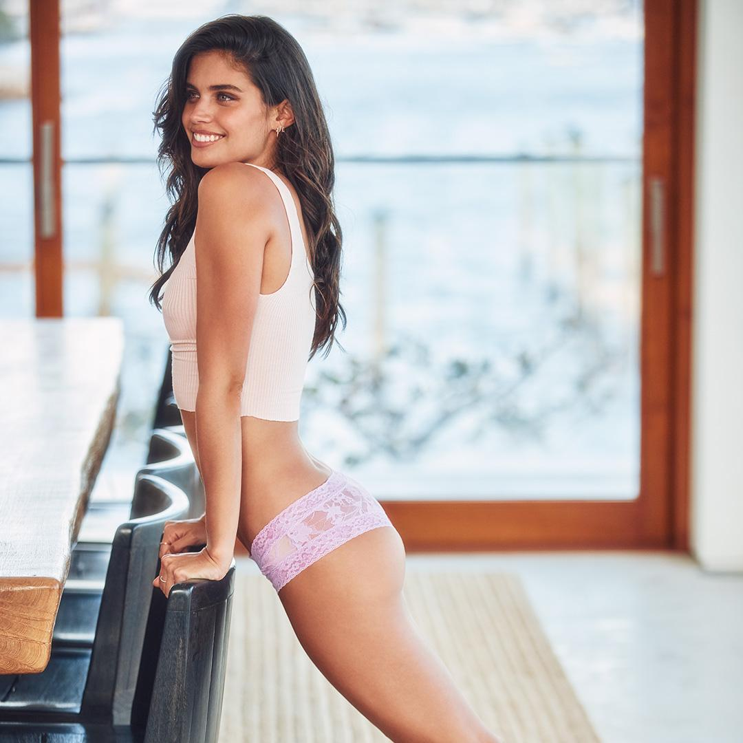 As they say, lace is more… #XOVictoria https://t.co/DzNQAtBGFL https://t.co/6CHijhUL9G