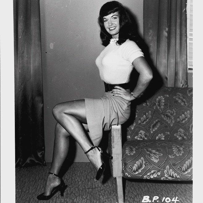 Classic Bettie! 😻❤️ #BettiePage #vintage #legs #supermodel #pinupqueen B6vWpXbr5W