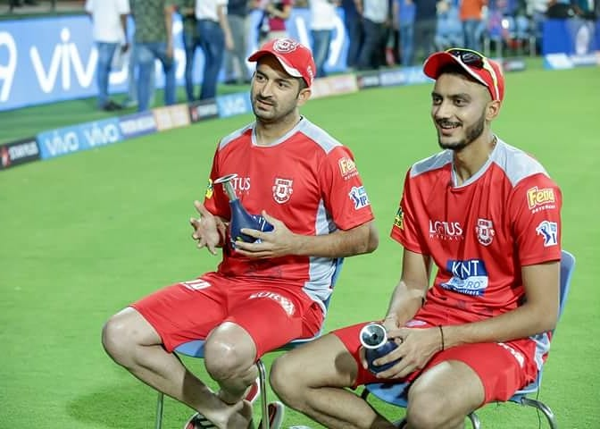 All smiles ahead of the first home game at Indore ????? #LivePunjabiPlayPunjabi #KXIP #VIVOIPL #KXIPvMI https://t.co/ASehcG3I5p