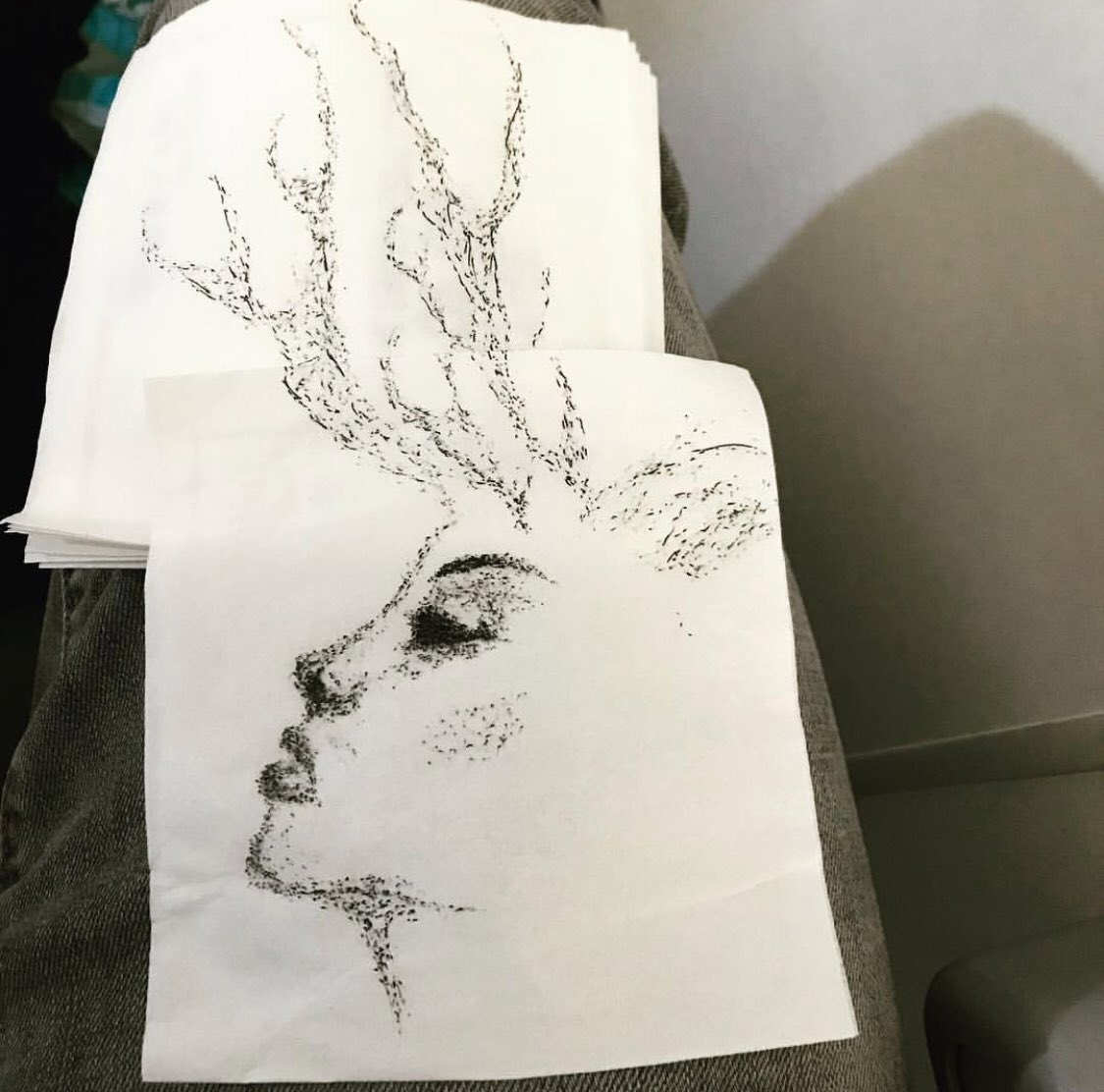 I love drawing on airplane napkins. Haha i tried to draw a woman with antlers. ????????... hmmmm Better luck next time. https://t.co/xnl0HoB8s0