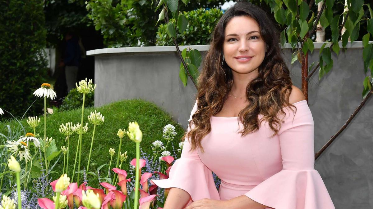 RT @ST_Travel: .@IAMKELLYBROOK chooses her favourite gardens in the UK https://t.co/wWQngGVnrs https://t.co/rMXSaqK4Wy
